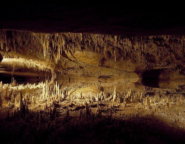 podzemní jeskyně